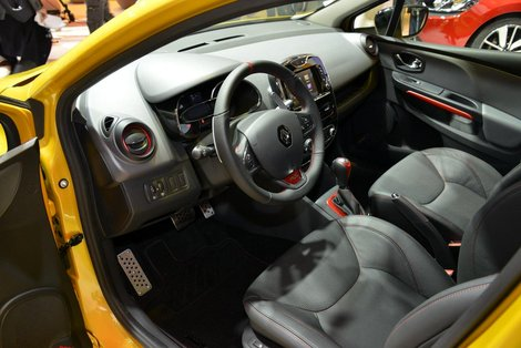 Фото салона Renault Clio RS 2013